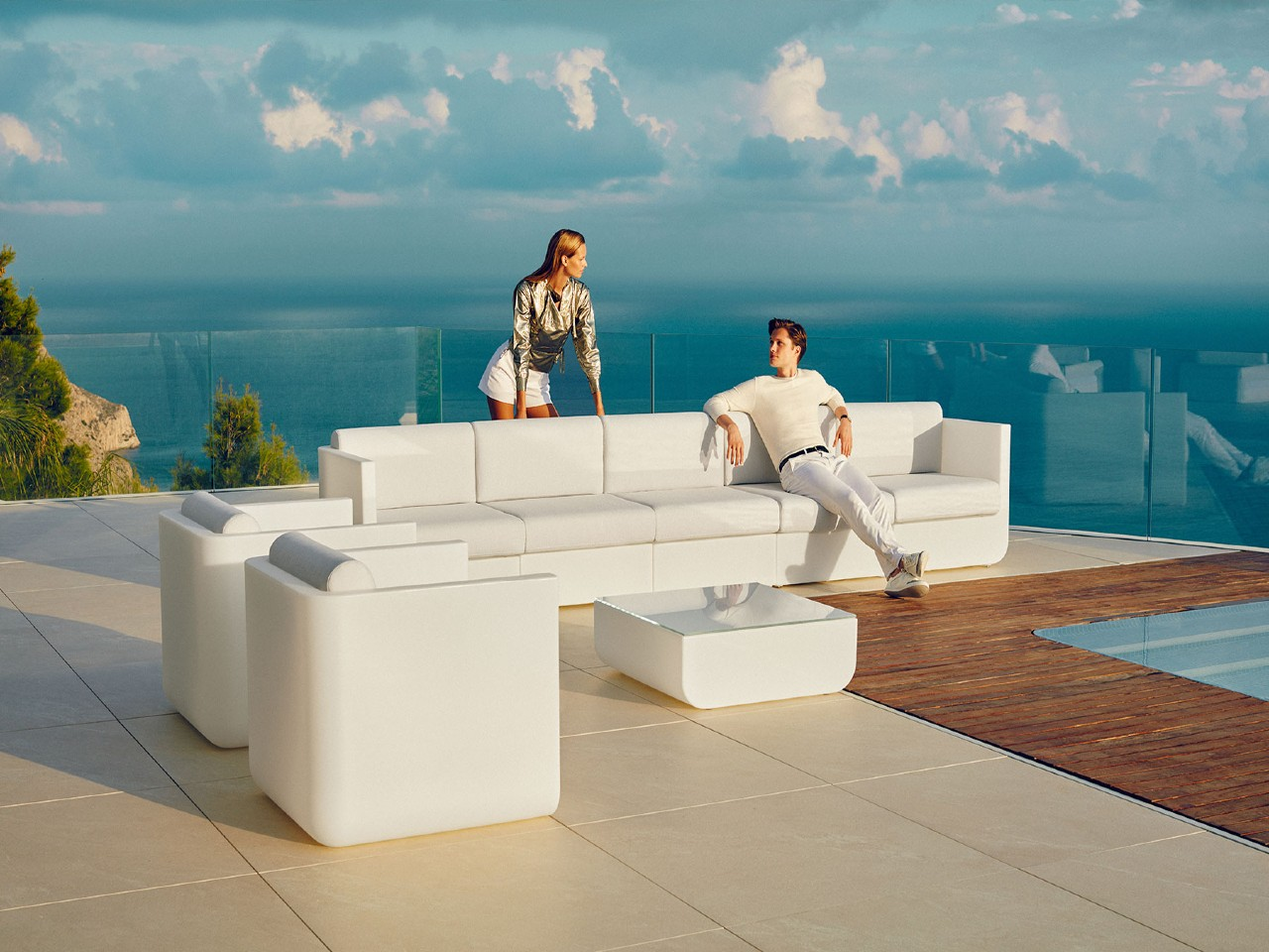 Ulm Outdoor Collection
